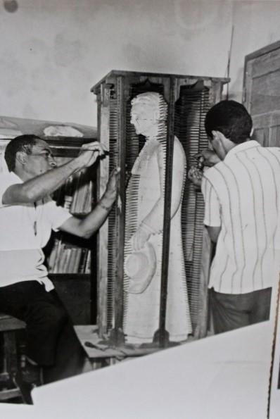 Maquete usada como base para a Estátua do Padre Cícero Fonte: http://caririrevista.com.br/olha-la-no-alto-do-horto/